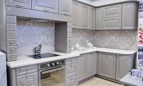 Классическая кухня с серебряной патиной