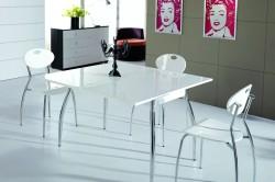 Глянцевый белый стол на кухне