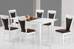 Белый кухонный стол из дерева на кухне
