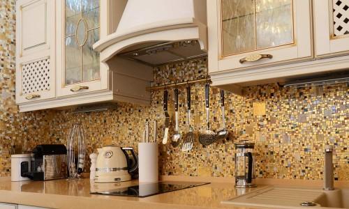 Декоративный фартук на кухне