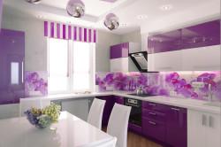 Фиолетовая глянцевая кухня
