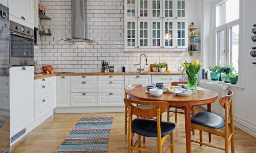 Ковер в дизайне кухни