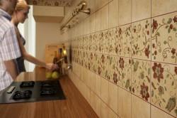 Экран на кухню из плитки
