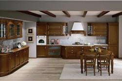 Итальянская классическая кухня с темной мебелью