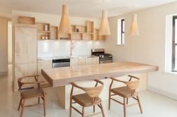 Кухонный гарнитур из цельного дерева