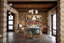 Отдельная обеденная зона в деревянном доме