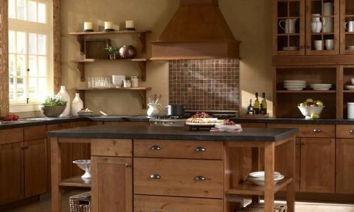 Кухня из темного дуба