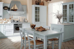 Кухня выполненная в морском стиле в белых тонах