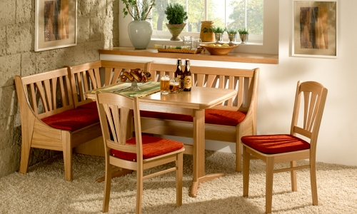 Экологичный кухонный уголок из дерева