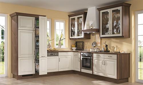 Холодильник, встроенный в шкаф кухонного гарнитура