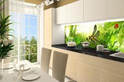 Стеклянные панели на стены в кухне