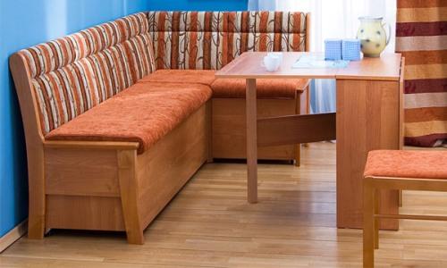 Мягкая мебель в интерьере кухни