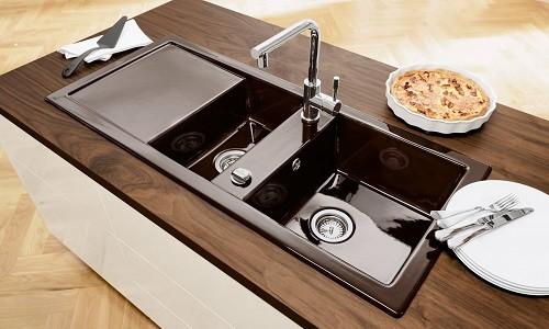 Кухонная двухсекционная мойка