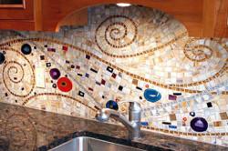 Стеклянная мозаика на кухне