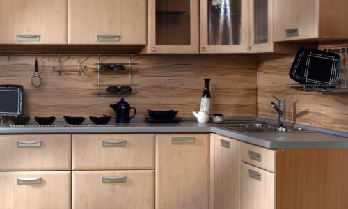 Кухня с использованием стеновых панелей