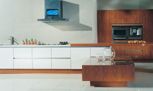 Каминная вытяжка на кухни