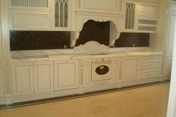 Столешница в интерьере кухне